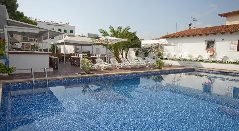 Best time to travel Majorca Hostal Montesol
