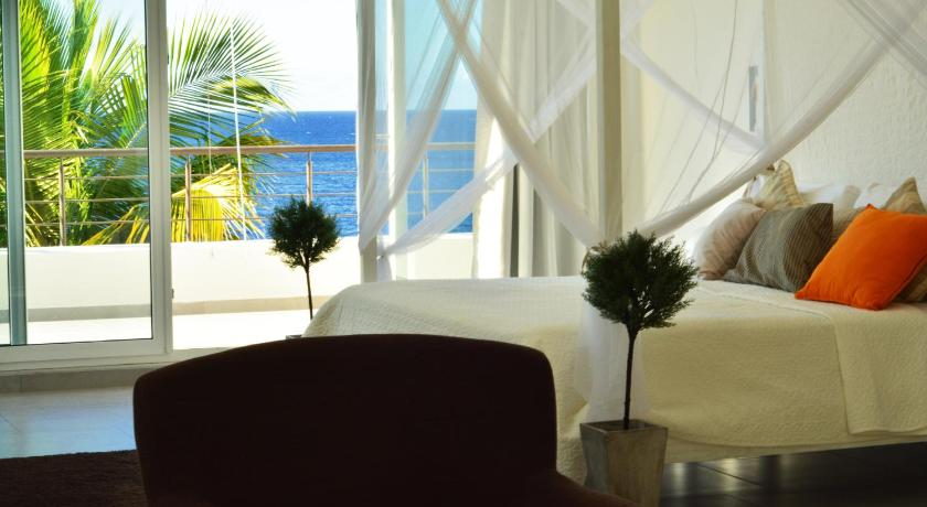 Best time to travel Dominican Republic Infiniti Blu Luxury Ocean Front Condos