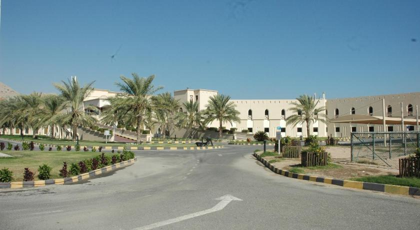 Best time to travel Oman Golden Tulip Resort Dibba