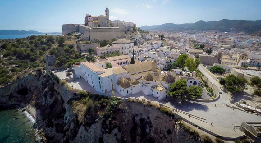 Best time to travel Ibiza Hotel Mirador de Dalt Vila