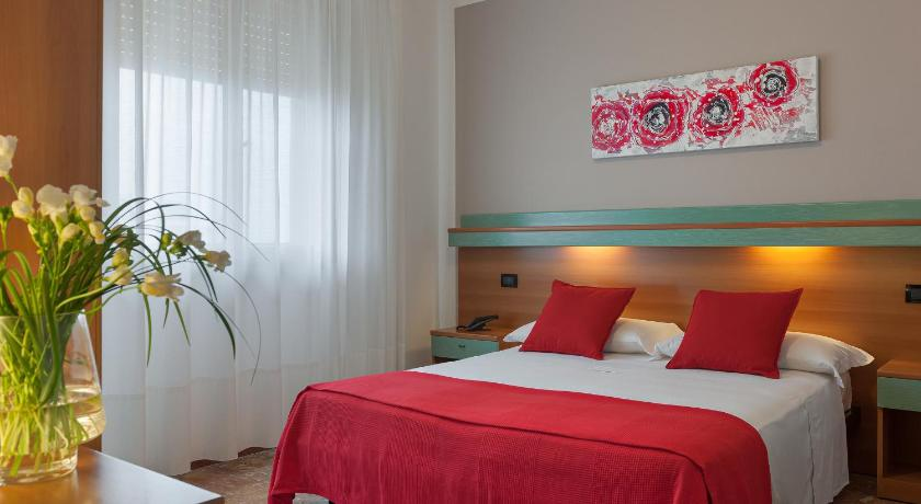 Best time to travel Venice Hotel Europeo