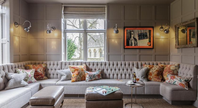 The Slaughters Manor House Lower Slaughter Gloucestershire - Country house hotel interiors