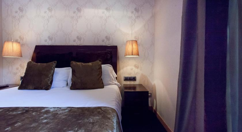 Boutique Barcelona Bed and Breakfast - Barcelona