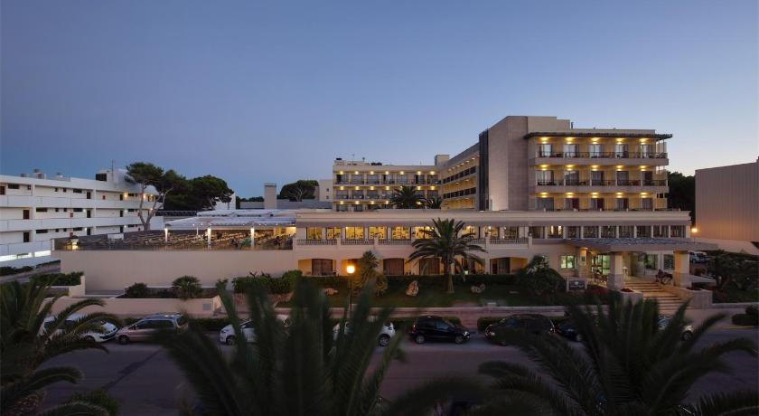 Best time to travel Menorca Hotel Bella Playa & Spa