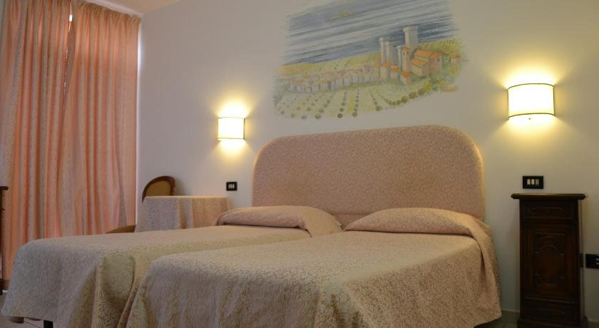Best time to travel Italy Hotel Ristorante Bagnaia