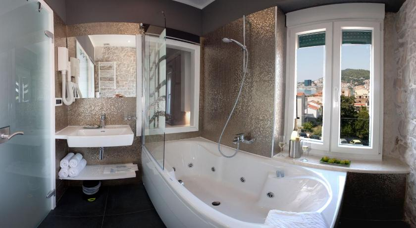 Best time to travel Croatia Authentic Luxury Rooms