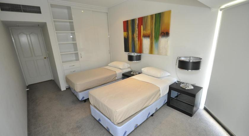 Sydney CBD Self Contained Modern Two Bedroom Apartment 507 LP 507 187 Liv