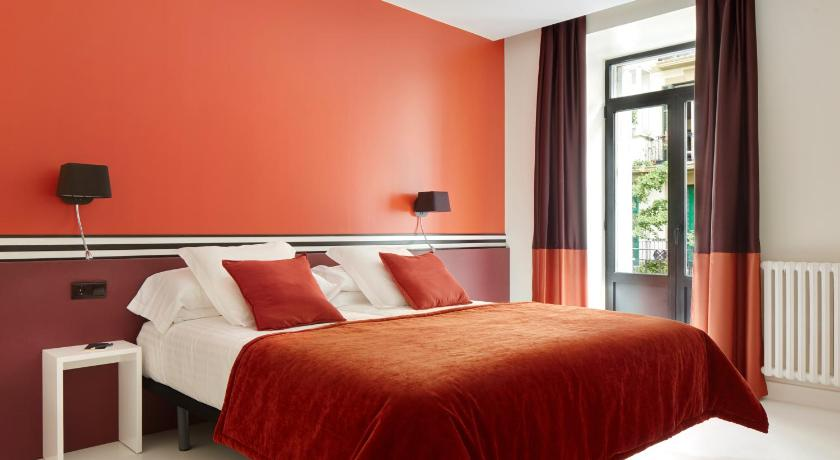 Best time to travel San Sebastián Don Cecilio Guesthouse
