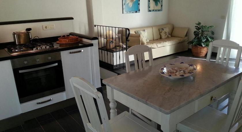 Best Price on Clelia Eco-Friendly Apartments in Deiva Marina + Reviews