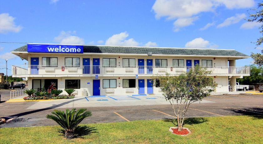 Best time to travel United States Motel 6 Kingsville