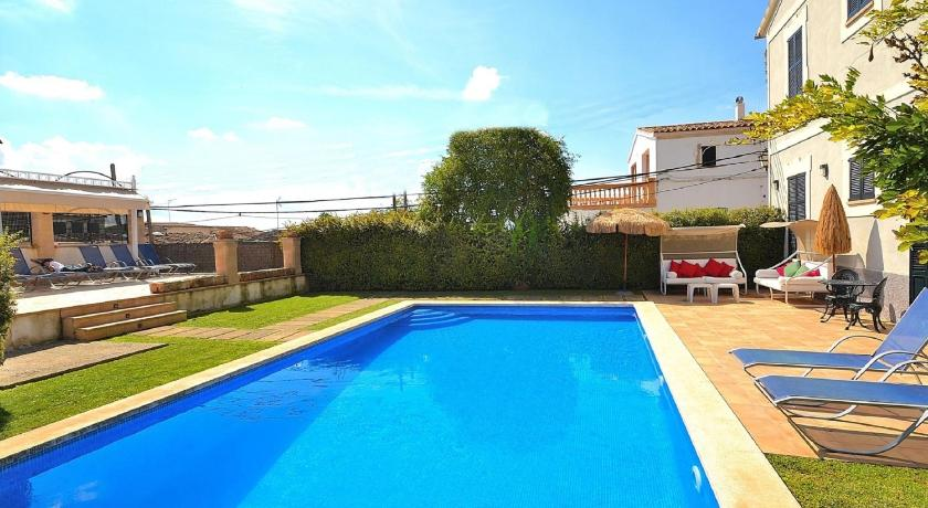 Best time to travel Balearic Islands 034 Llubi Town House in Majorca