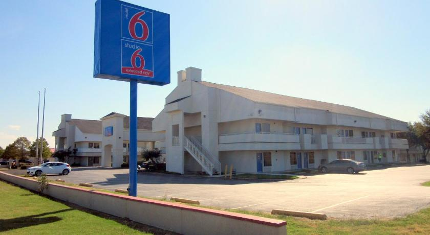 Best Price On Motel 6 Dallas Irving Dfw Airport East In