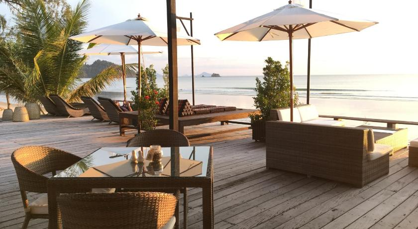 Best price on cede boutique beach resort in koh phayam for Best boutique beach resorts
