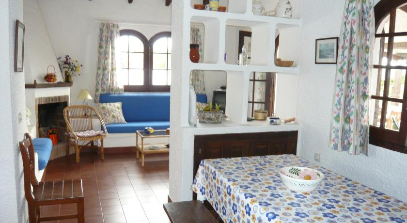 Best time to travel Spain Villa Carina