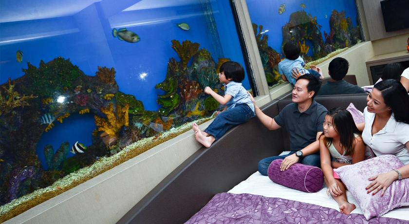 Best time to travel Philippines Hotel H2O