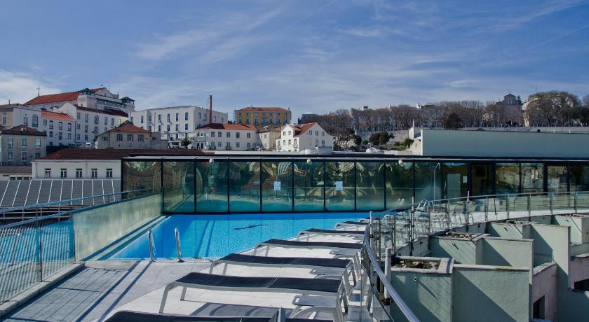 Best time to travel Lisbon VIP Executive Eden Aparthotel