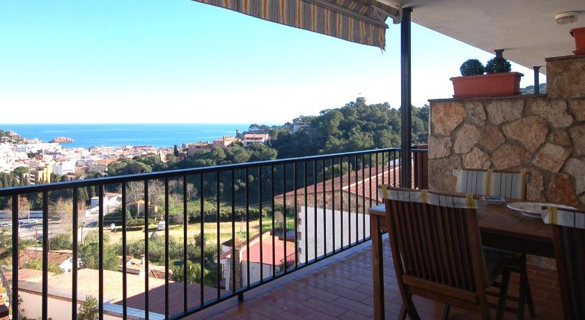 Best time to travel Costa Brava LETS HOLIDAYS SEA VIEWS APARTMENT in SA GABARRA