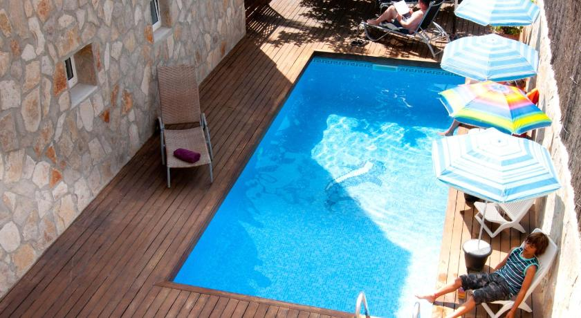 Best time to travel Menorca Hotel Marbel