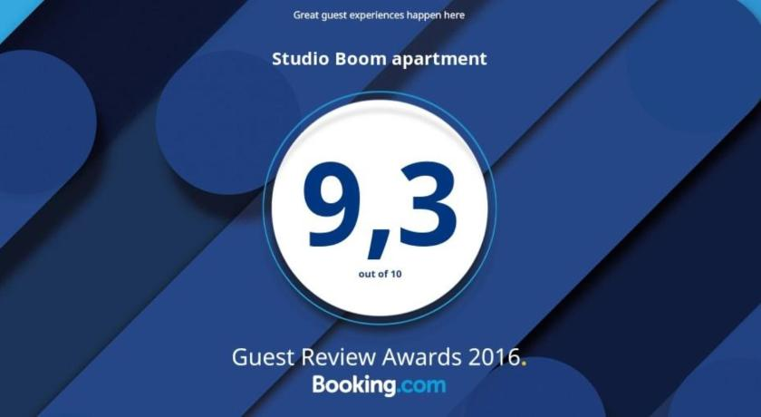 Best time to travel Amsterdam Studio Boom apartment