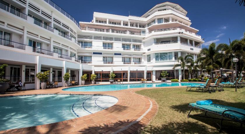 Best time to travel Maputo Hotel Cardoso