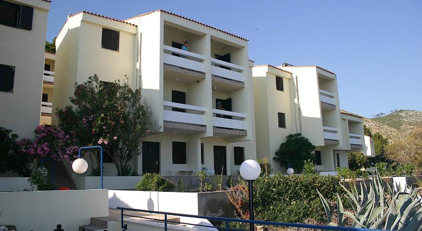 Best time to travel Solin Hotel Priscapac Resort & Apartments
