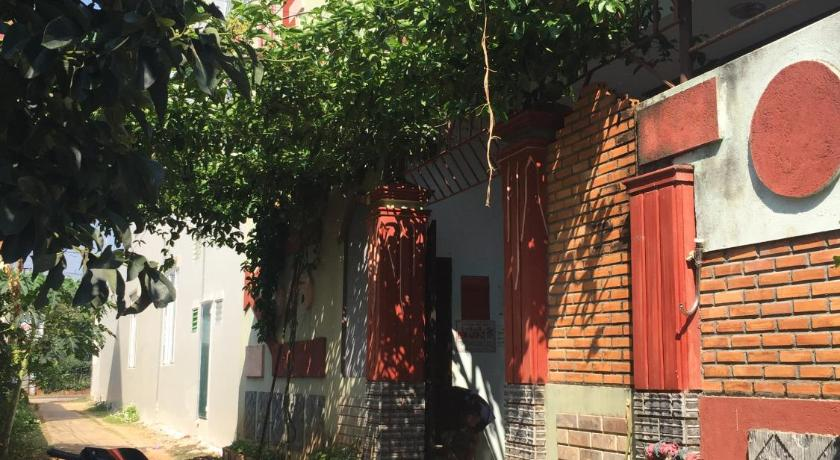 Best time to travel Buon Ma Thuot Ngoc Tran Guesthouse