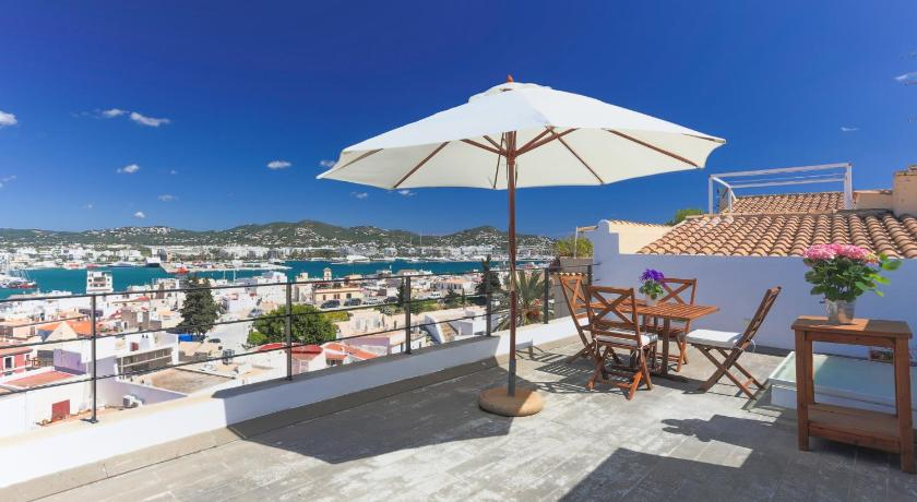 Best time to travel Ibiza Apartamentos Xereca Dalt Vila I