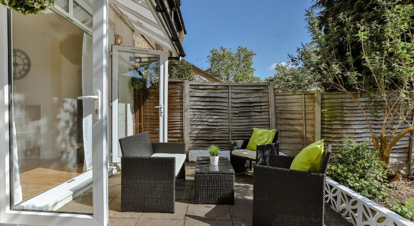 Best time to travel London Circle Self Catering House