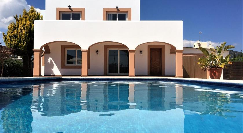 Best time to travel Spain Villa Sant Jordi