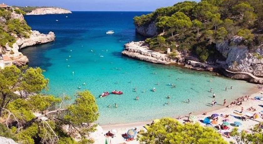 Best time to travel Majorca Cala Figuera Apartments Mar y Sol