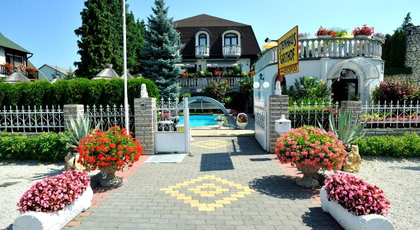 Best time to travel Hungary Steinhaus Bed & Breakfast