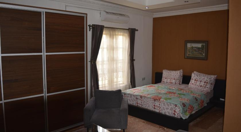 Best time to travel Port Harcourt ManorgroveHouse Hotel