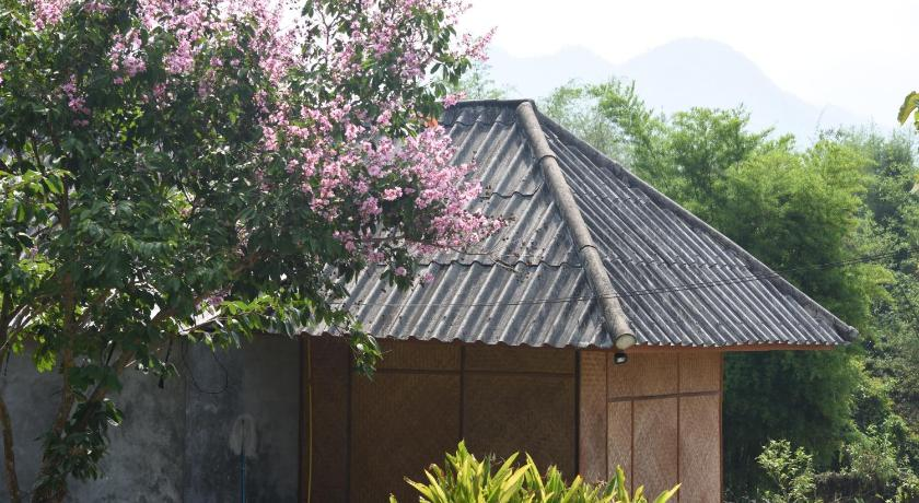Best time to travel Pai Eastern Peace House