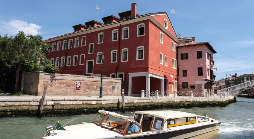 Best time to travel Italy Hotel Moresco