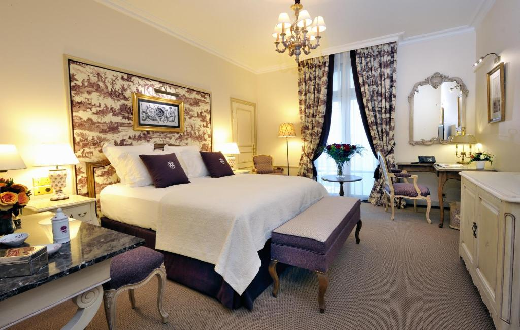 auberge du jeu de paume chantilly book your hotel with. Black Bedroom Furniture Sets. Home Design Ideas