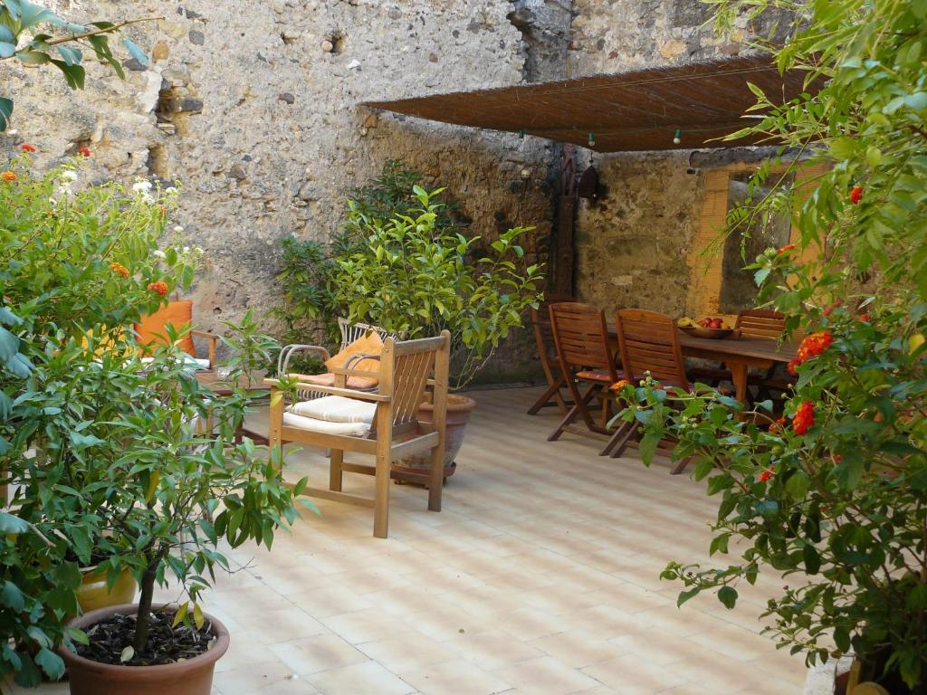 Chambres D Hotes De Fleurus Starting From 55 Eur Hotel In