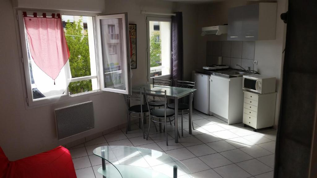 Studio Meuble At France Occitania Perpignan The Apartment Building S Address Phone Number Hours And Website Gps 42 6885 2 9015