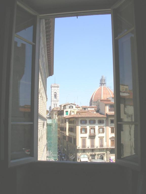 Soggiorno Antica Torre - Starting from 108 EUR - Hotel in Florence ...