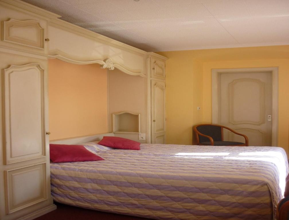 H tel des vosges obernai book your hotel with viamichelin for Hotels obernai