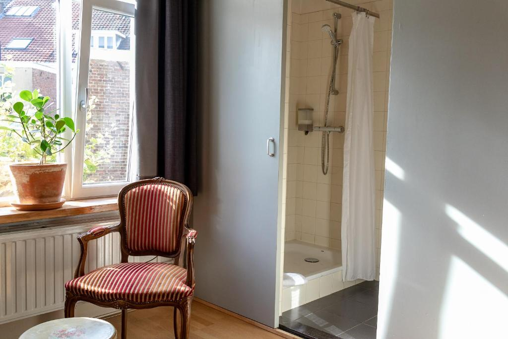 Hotel Pastis At The Netherlands Limburg Maastricht The Hotel S Address Phone Number Hours And Website Gps 50 8403 5 6877
