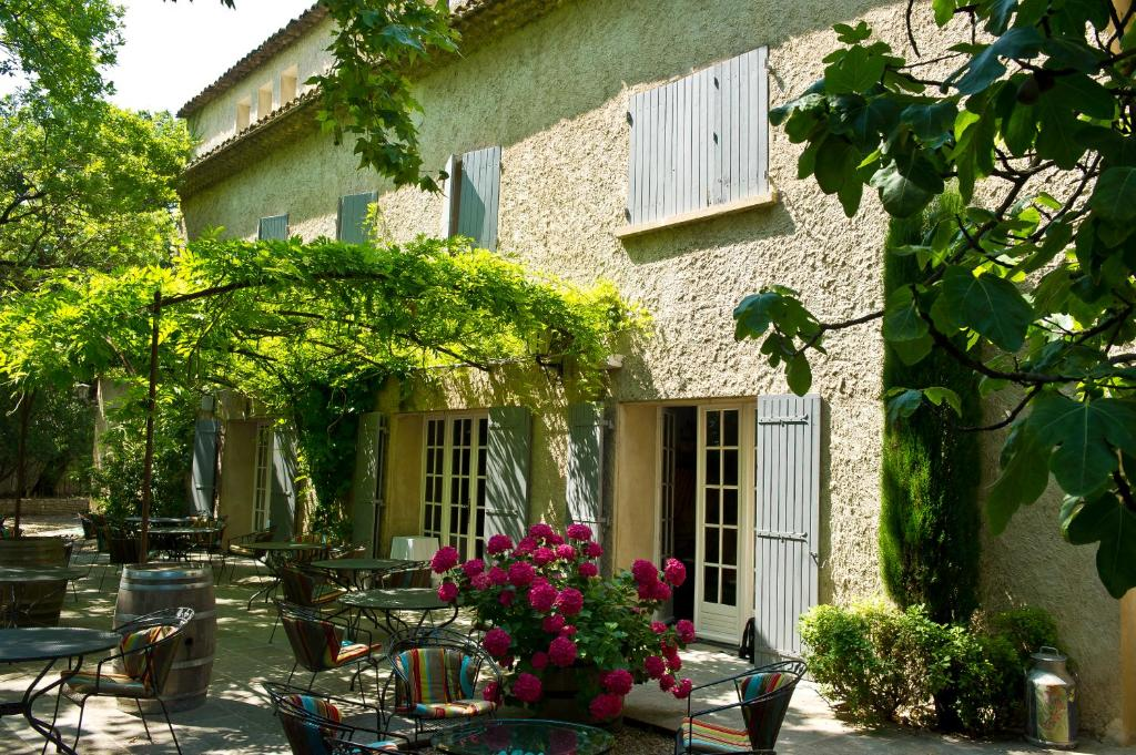 Mas de cure bourse l 39 isle sur la sorgue book your for Hotels isle sur la sorgue