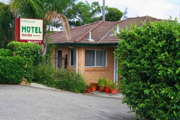 sutherland motel cronulla book your hotel with viamichelin. Black Bedroom Furniture Sets. Home Design Ideas