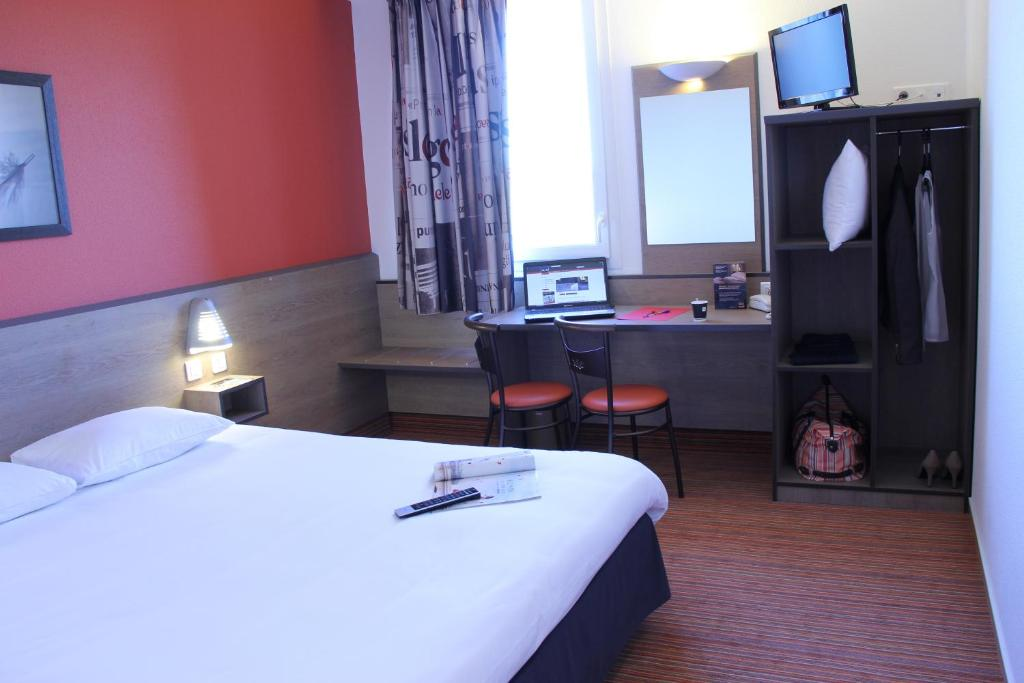 ace hotel chateauroux d ols book your hotel with viamichelin. Black Bedroom Furniture Sets. Home Design Ideas