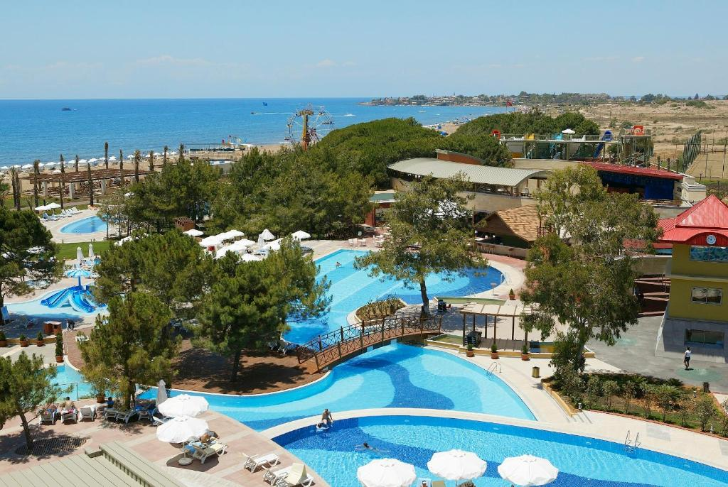 Located By The Side S Beach Sueno Hotel