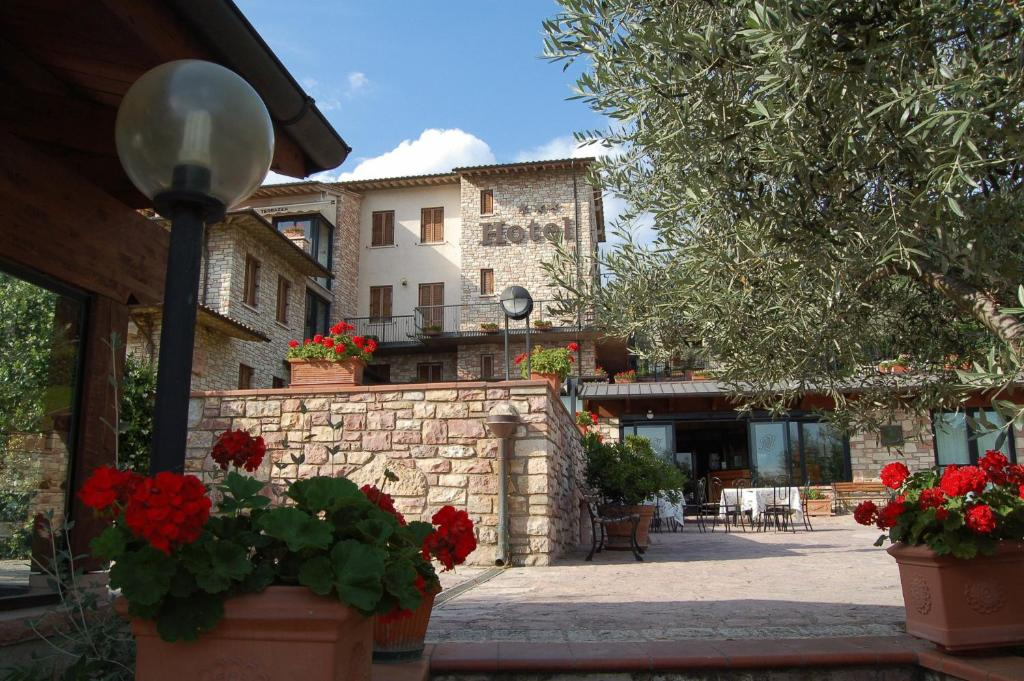 Hotel La Terrazza - Starting from 65 EUR - Hotel in Assisi (Italy)