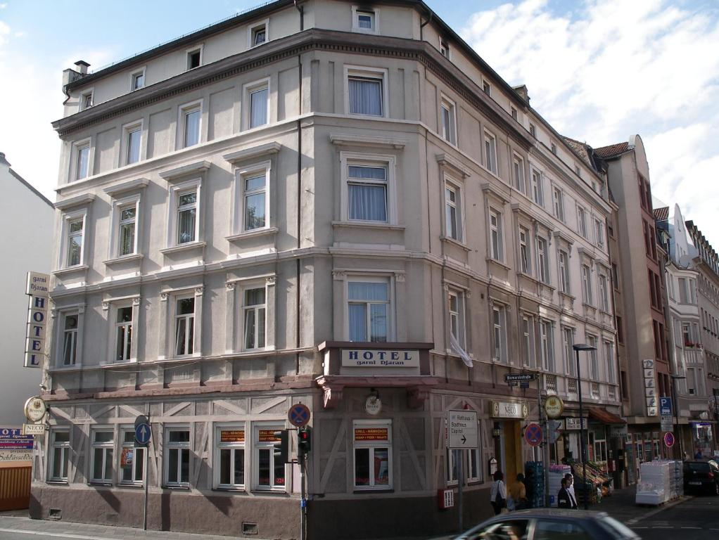 Hotel garni djaran offenbach am main book your hotel for Hotel offenbach