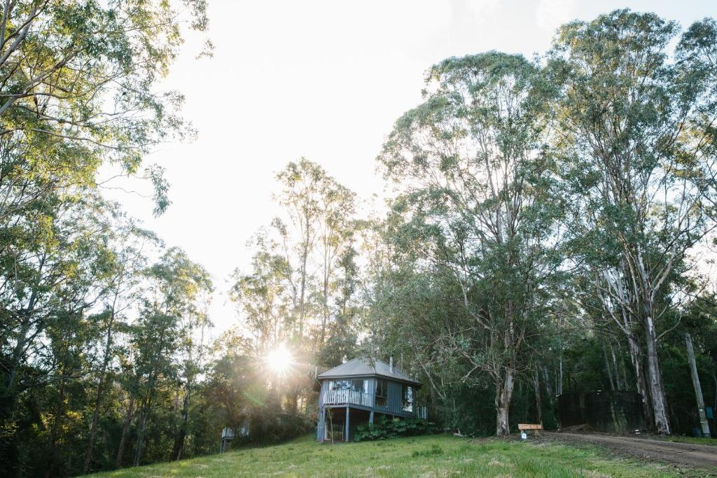 Bandon Grove Australia  city photos gallery : Located in the foothills of the world heritage listed Barrington Tops ...