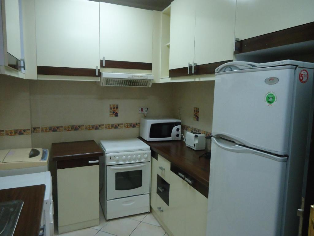 Al Commodore Suites - Starting from 28 BHD - Hotel in Manama (Bahrain)