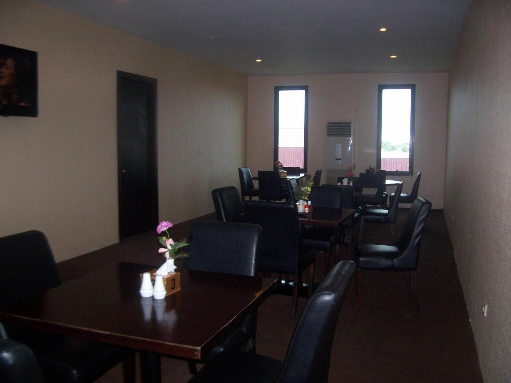 Hotel Istana Hotel Istana Permata Ngagel Starting From 310000 Idr Hotel In