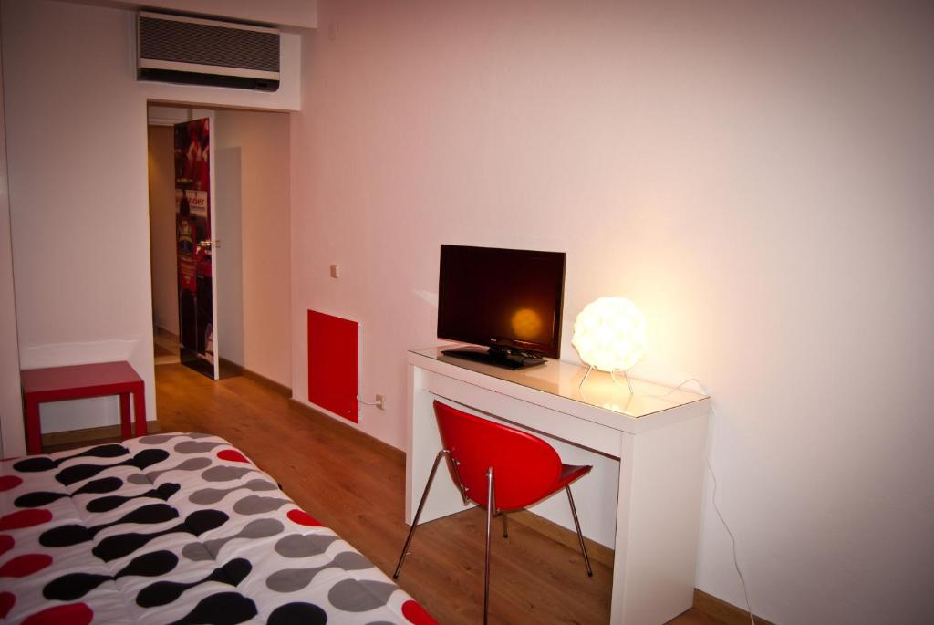 D.Dinis Low Cost Hostel - Starting from 20 EUR - Hotel in Estremoz ...